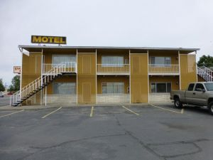 Umatilla Inn  Suites
